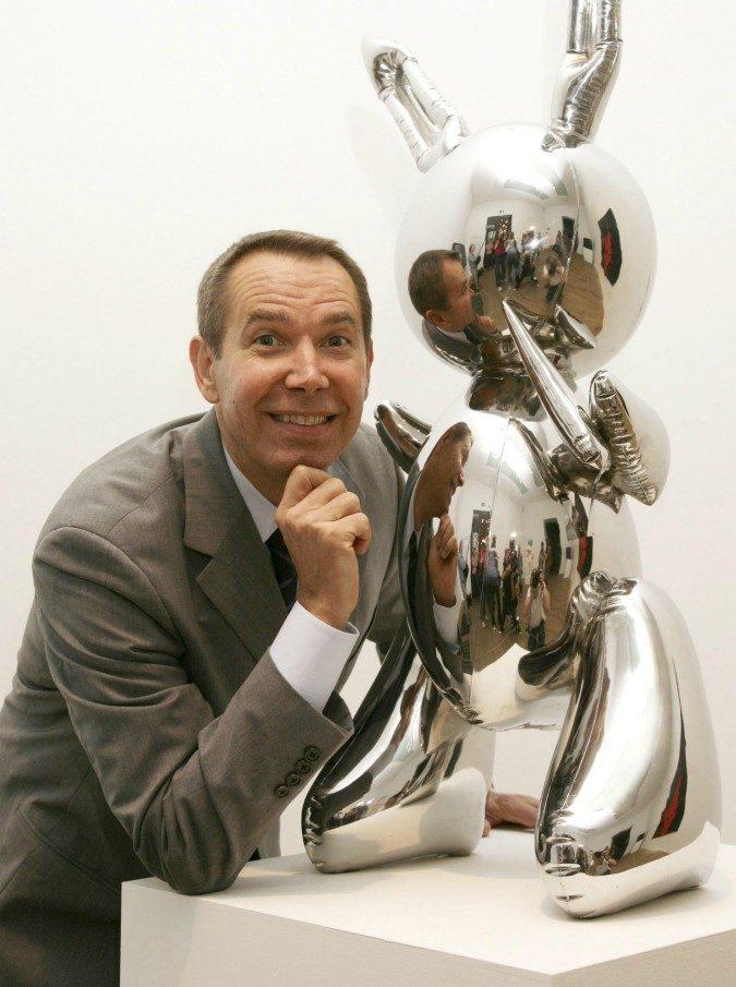 Jeff Koons, il suo coniglio gonfiabile in acciaio venduto all'asta per 91 milioni di dollari: record per un artista vivente