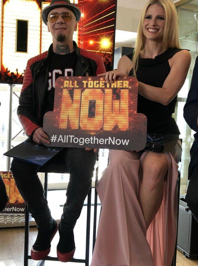 """All Together Now, arriva il talent show di Michelle Hunziker e J-Ax: """"È un condominio di grandi esperti che litigano"""""""