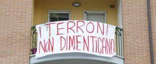 """""""Dare del fascista a un politico non è reato"""": pm non convalida il sequestro degli striscioni contro Salvini"""