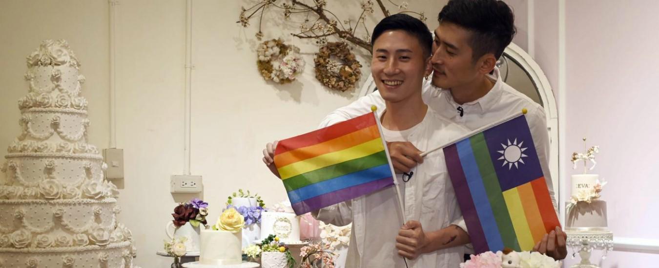 Taiwan, via libera alle nozze gay: è il primo paese in Asia a legalizzare il matrimonio omosessuale