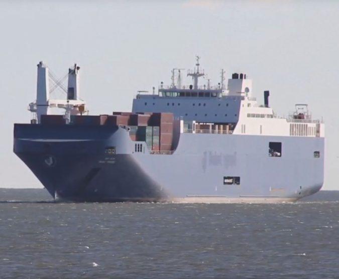 """""""Fermate la nave"""". Genova non vuole il cargo delle armi"""