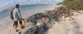 Le spiagge che hanno ispirato Darwin invase da 414 milioni di pezzi di plastica: le immagini dalle Isole Cocos