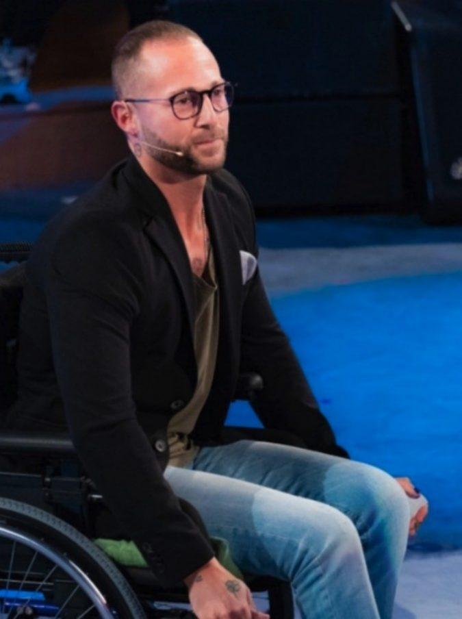 """Ivan Cottini, la storia dell'ex ballerino di Amici commuove: """"Ero invincibile, poi mi sono svegliato nella paura. Ma nonostante la malattia ho realizzato il mio sogno"""""""