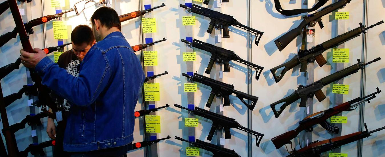 Svizzera, referendum sulle armi: vince il sì (63,7%) alla legge che inasprisce le norme