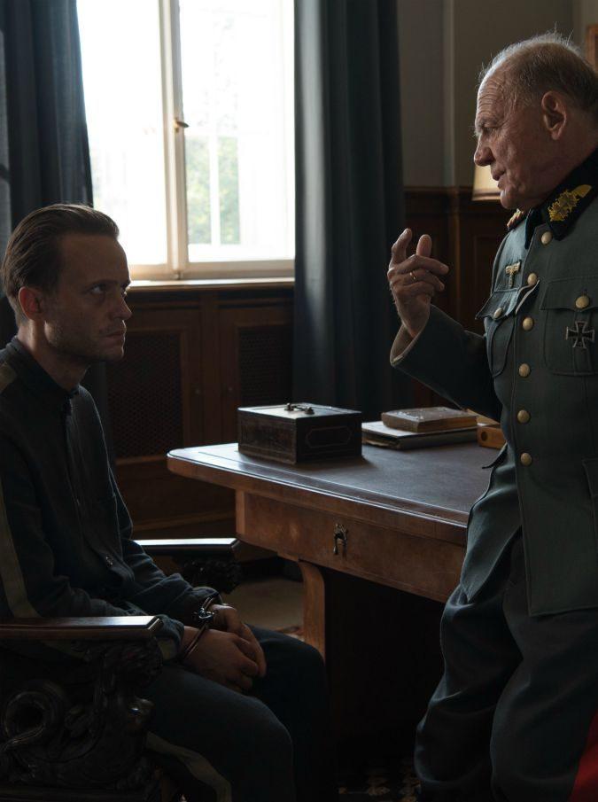 Festival di Cannes, A Hidden Life: il gran rifiuto di un contadino a Hitler. Così Terrence Malick ritorna (finalmente) al cinema