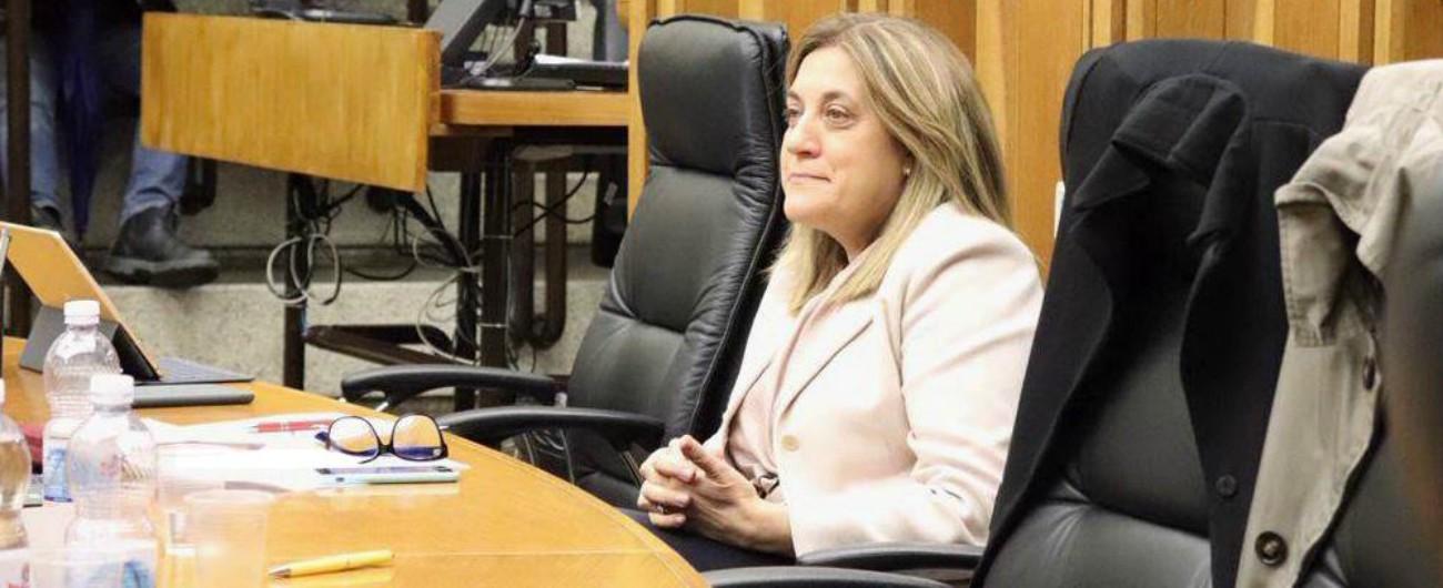 Regione Umbria, la crisi è una farsa: Catiuscia Marini si dimette (di nuovo). Ma il consiglio dovrà votare ancora