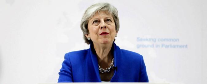 """Brexit, Theresa May annuncia un """"nuovo accordo"""". All'interno sarà inserita anche clausola per indire secondo referendum"""