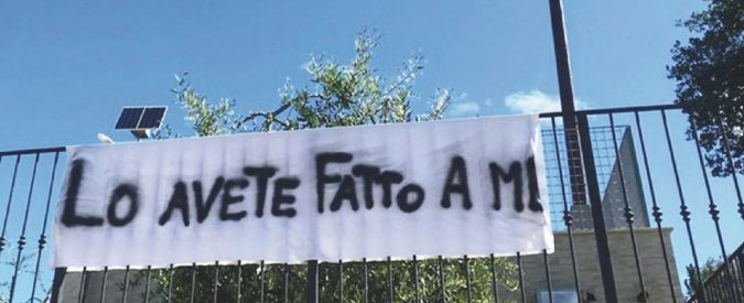 """Fantasia al balcone! """"Affacciati Salvini. C'è Zorro: fuori i 49 mln!"""""""