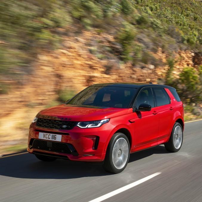 Land Rover Discovery Sport, la performance (anche ibrida) nel fuoristrada – FOTO