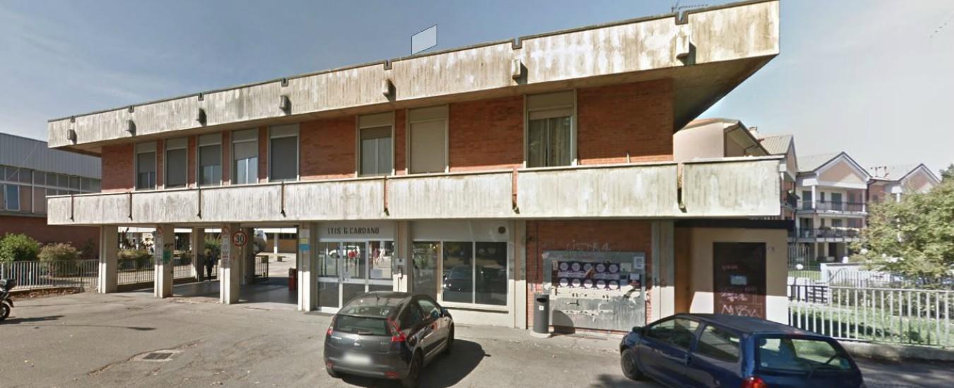 Pavia, 15enne picchiato in classe da un bullo: ora rischia di perdere un occhio