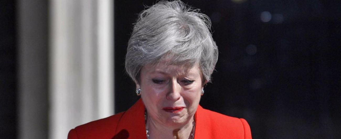 """Theresa May annuncia dimissioni: lascia il 7 giugno. """"Provo rammarico per non aver attuato la Brexit"""""""