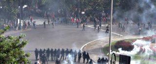 Genova, antagonisti contro il comizio di Casapound: il raccontro della giornata tra lacrimogeni, cariche e scontri