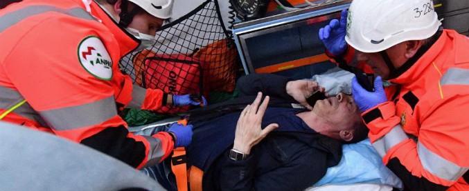 """Scontri Genova, dita e costole rotte per cronista Repubblica caricato da polizia. Pm: """"Niente sconti, tempi G8 lontani"""""""