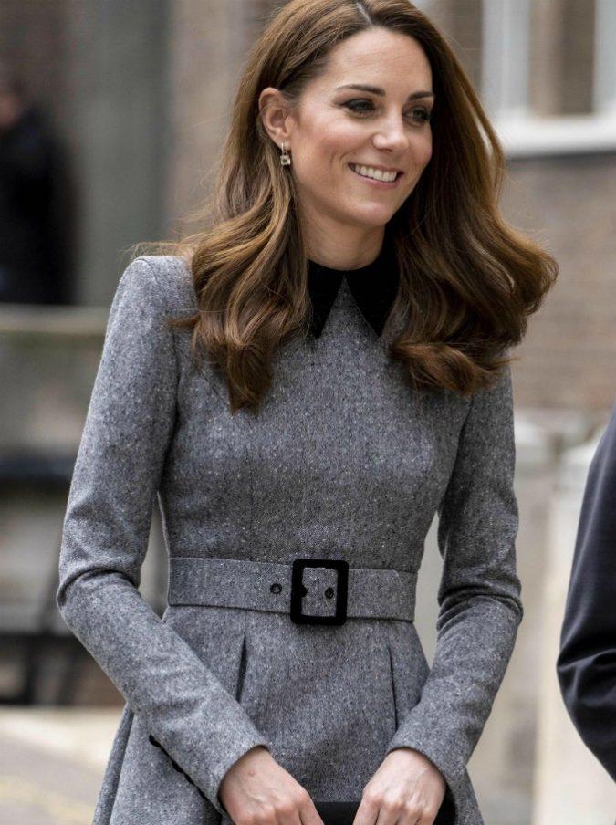 Kate Middleton, perché ha sempre dei cerotti alle dita?