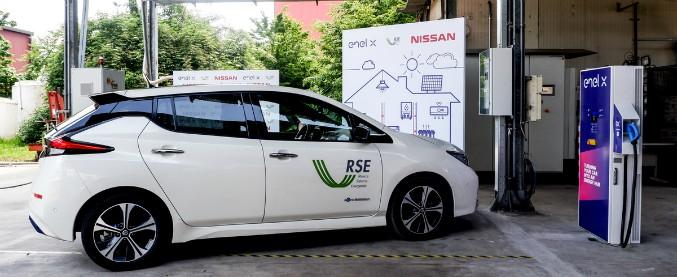 Nissan ed Enel X insieme per l'auto che diventa una batteria su quattro ruote