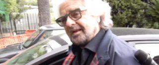 Genova, Beppe Grillo al seggio di Sant'Ilario con la moglie e il figlio che ha votato per la prima volta