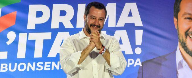 Europee 2019, la lezione di Salvini a chi si aggrappa a striscioni e a finti Zorro