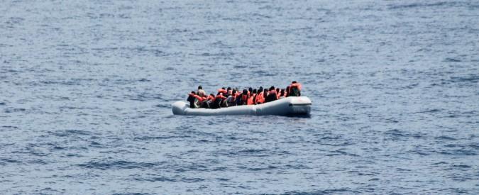 """Migranti, Marina militare salva 100 persone: sbarcheranno a Genova. Trenta: """"Nessun soccorso ignorato"""""""