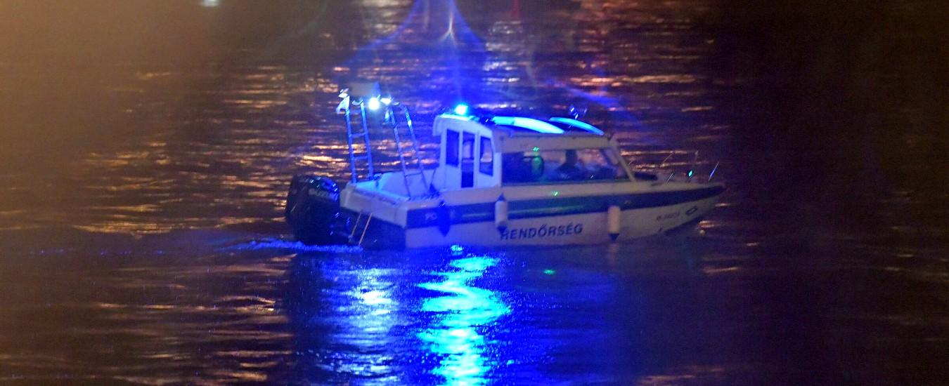 Budapest, barca di turisti affonda nel Danubio: almeno 7 morti, tra cui bimba di 6 anni. Si cercano ancora 21 dispersi