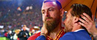 """Totti, il retroscena: """"Congiura di De Rossi e altri senatori della Roma contro di lui"""". Il club smentisce: """"Quadro distorto"""""""