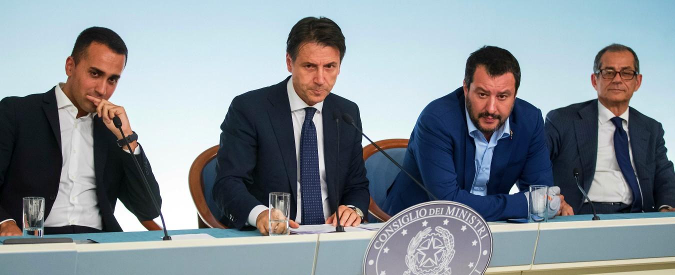 """Lettera Ue, mercoledì risponde Bruxelles. Salvini: """"Vedremo chi ha testa più dura"""". Di Maio: """"No tagli al welfare, bene"""""""