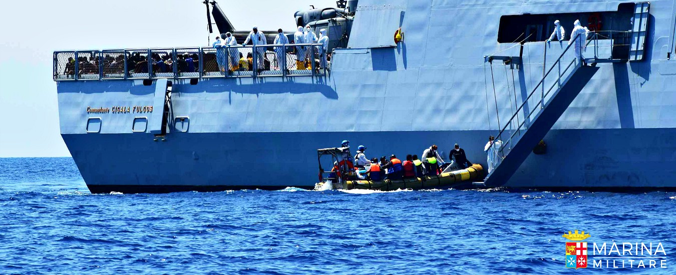 Migranti, Salvini: 'Quelli salvati da Marina saranno accolti da 5 Paesi Ue e Vaticano'