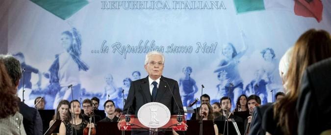 """2 giugno, Mattarella: """"Festa di libertà e democrazia. Incompatibile con chi fomenta scontri alla ricerca di un nemico"""""""