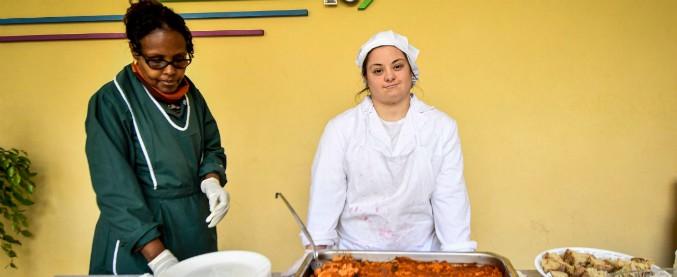 Disabili e lavoro, associazioni divise sul progetto di Ferrarelle: 10 ragazzi assunti, ma lavoreranno in una mensa scolastica
