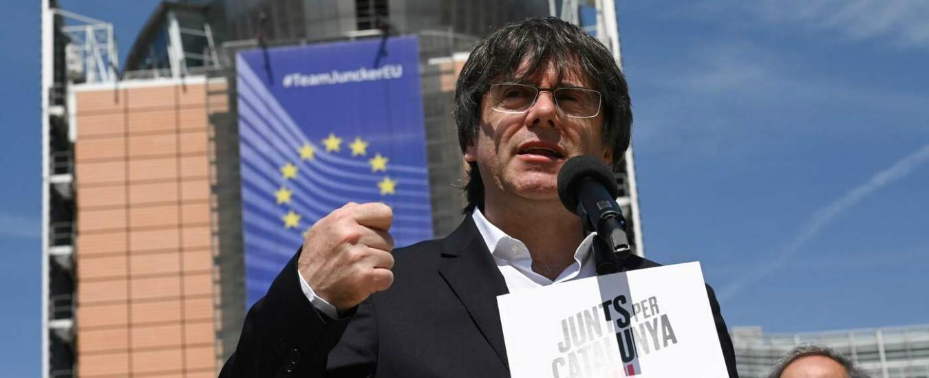 Catalogna, Puigdemont eletto in Europa. Che per giurare a Madrid rischia di farsi arrestare