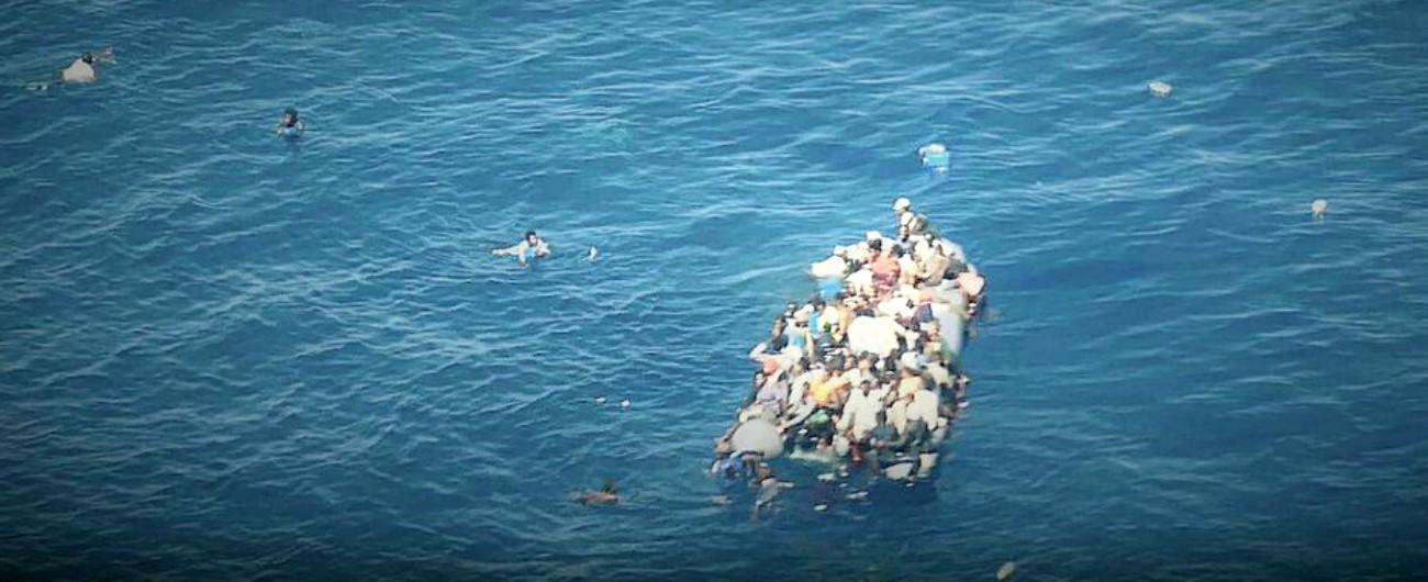 """Migranti, Sea Watch: """"Naufragio a largo della Libia. Alta probabilità di dispersi e morti annegati"""""""