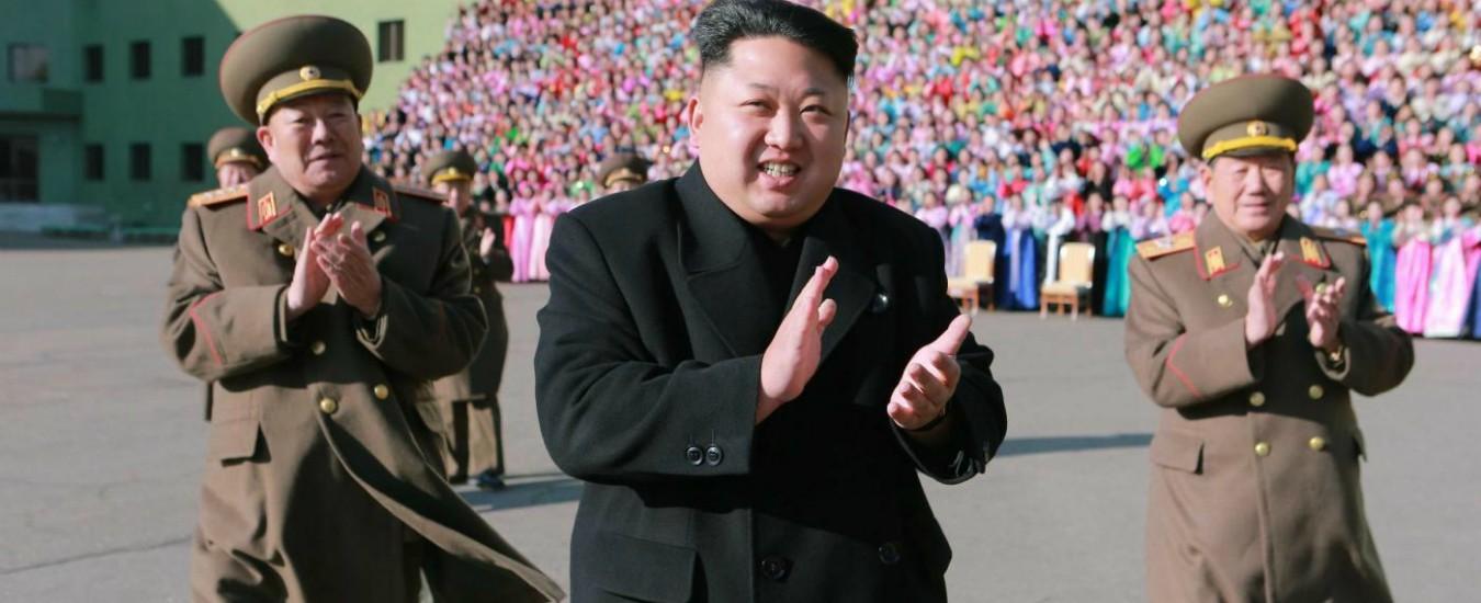 """Corea del Nord, Kim sospende lo show di propaganda: """"Lavoro irresponsabile"""""""