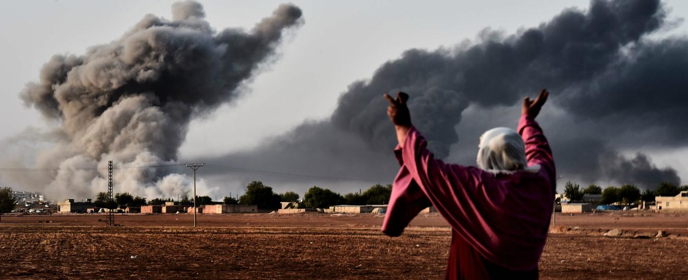 A Kobane i cecchini diventano gladiatori nell'arena