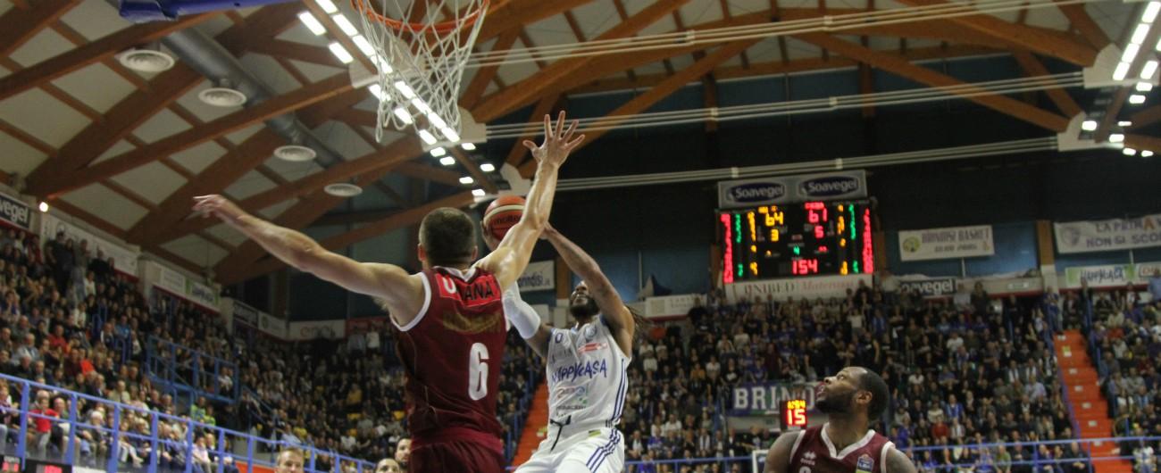 Basket, oltre 4mila spettatori di media in stagione: mai così bene dagli anni dei derby scudetto tra Fortitudo e Virtus