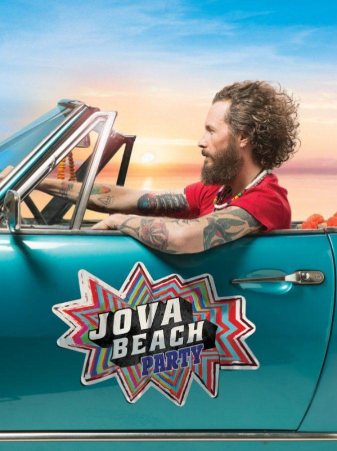 Jova Beach Party, Jovanotti tra spensieratezza, erotismo e carica prova a salvarci dai tormentoni