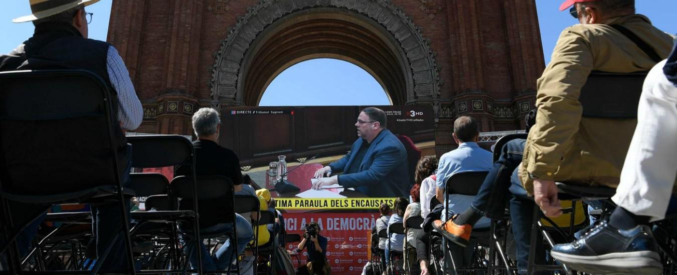 Catalogna, chiuso processo ai leader indipendentisti. Procura chiede 25 anni per Junqueras