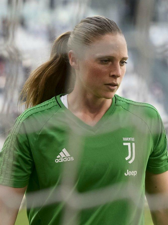 """Nazionale di calcio femminile, il fidanzato del portiere Laura Giuliani: """"Ai Mondiali astinenza sessuale"""""""