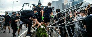 Hong Kong, il Parlamento sospende i lavori sulla legge per l'estradizione in Cina. Scontri violenti: 72 feriti, due gravi