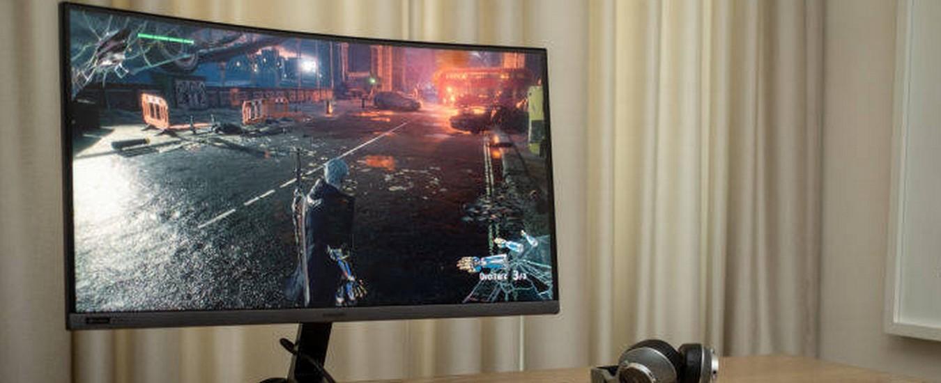 Samsung CRG5 è il monitor per videogiocatori con frequenza di aggiornamento da record di 240 Hz