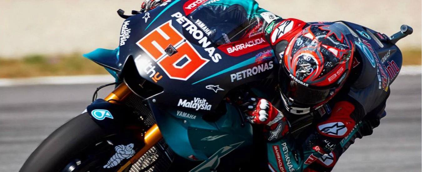 MotoGP Catalogna, Quartararo in pole davanti a Marquez. Rossi 5° tempo, ma parte quarto per penalità a Vinales