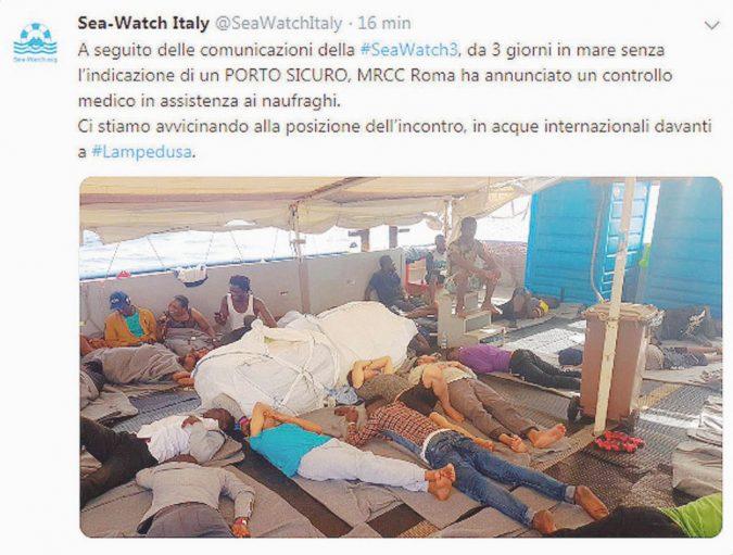 Salvini ferma in mare la nave con l'accordo dei ministri 5S