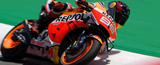 MotoGp Catalunya, Lorenzo abbatte tutti e regala la vittoria a Marquez. Secondo Quartararo, poi Petrucci