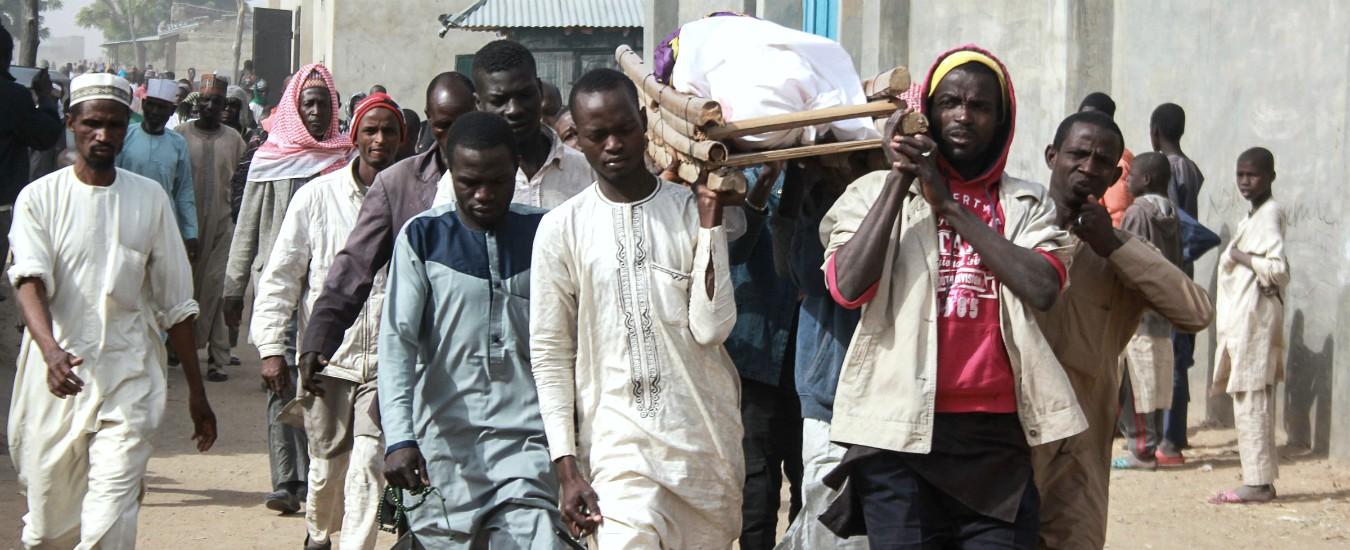 Nigeria, triplice attentato kamikaze: 30 morti e 42 feriti. Altre 100 vittime per raid nei villaggi nell'ultima settimana