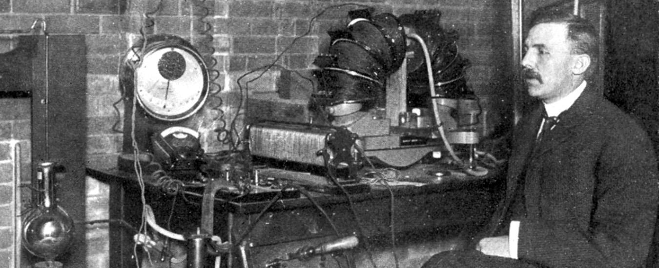 Il protone compie 100 anni, la particella teorizzata da Ernest Rutherford è ancora misteriosa