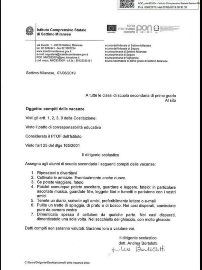 """""""Mettete i telefonini nel ghiaccio e pulite le spiagge"""": i compiti delle vacanze di un preside di Settimo Milanese"""