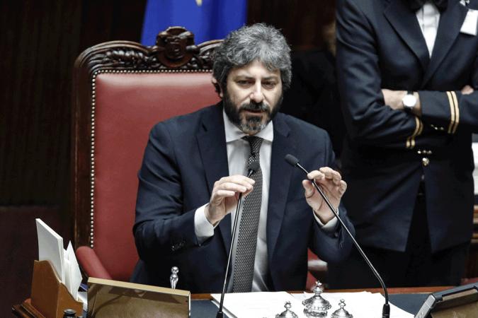 """Pasticci, furbate e """"segreti"""": il Daspo di Fico a 11 lobbisti"""