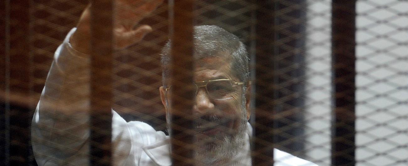 Egitto, Morsi sepolto all'alba e di nascosto fuori da Il Cairo. Presenti solo i familiari e i due avvocati