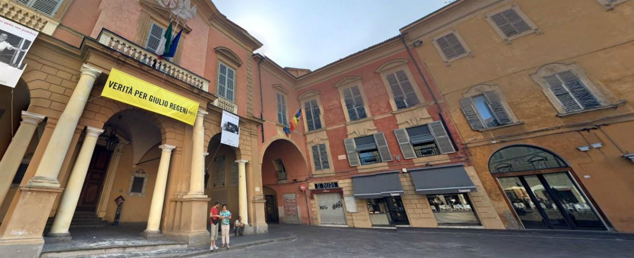 """Reggio Emilia, nel comune del Pd due inchieste con 33 indagati: """"Così funziona il Sistema che spartisce appalti e nomine"""""""