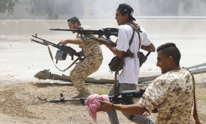 Tripoli licenzia il generale Haftar