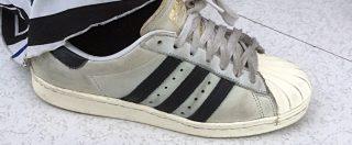 Adidas non ha la proprietà intellettuale delle tre strisce. Tribunale Ue annulla la registrazione del logo