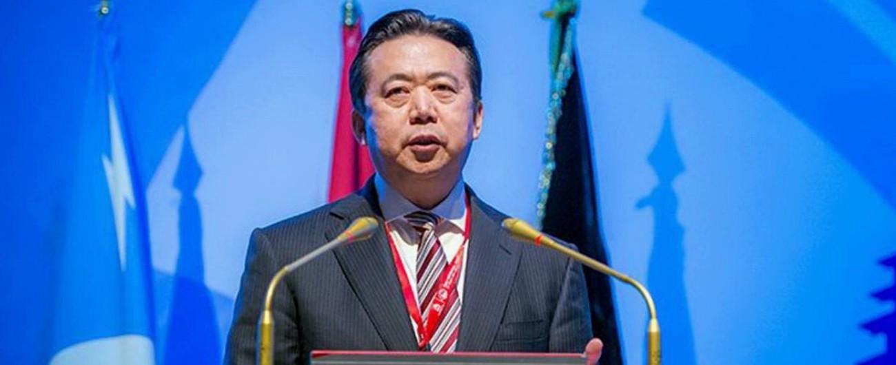 """Cina, ex capo dell'Interpol Meng Hongwei ammette le tangenti: """"Si è pentito"""""""
